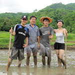 Family rice farming eco-vacation